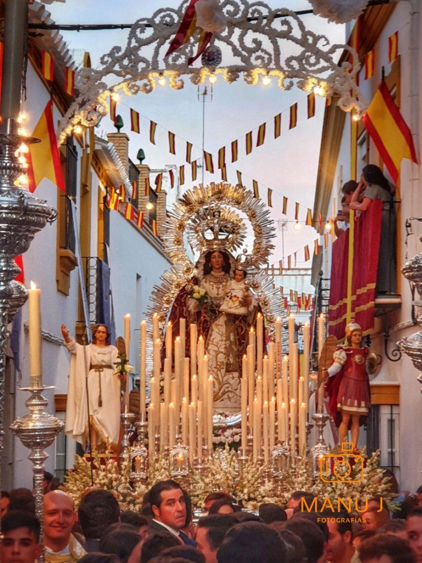 AionSur 20191006_200554-compressor La Virgen del Rosario procesionó por Marchena entre vítores, cantos y rezos Arahal Semana Santa