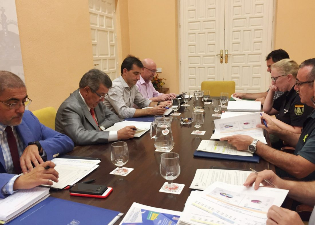 AionSur IMG_3125-compressor Carlos Toscano constata el interés de los colegios de Sevilla por una mayor formación en redes sociales y acoso escolar Educación