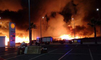 AionSur Incendio-Julian-3-400x240 Un incendio arrasa el campamento de inmigrantes en Lepe, con 145 desalojados a tiempo Huelva Sucesos  destacado