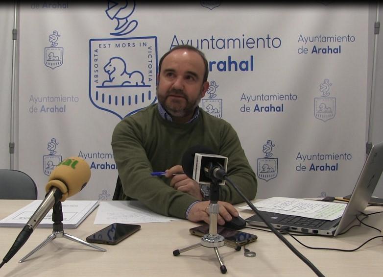 """AionSur PP-rueda-prensa-octubre PP de Arahal: """"Los incumplimientos del Gobierno Local"""" mantienen la renta por debajo del resto de la comarca Arahal Política destacado"""