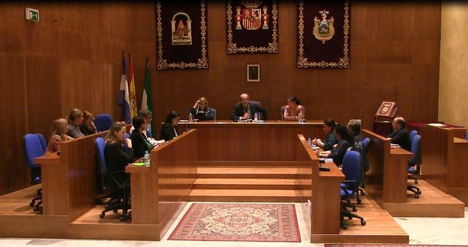 AionSur Pleno-Arahal-octubre-compressor Cruce de reproches en el Pleno durante el primer debate de la creación de plazas de empleo público Arahal Política  destacado