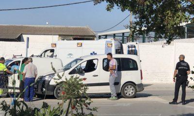 AionSur accidente-Arahal-400x240 Un herido, resultado de un accidente de tráfico en una de las rotondas de la Carretera Villamartín Arahal Sucesos  destacado