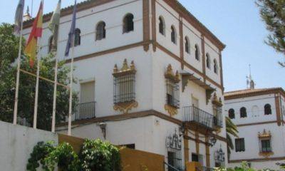 AionSur ayuntamiento-alcala-400x240 Alcalá de Guadaíra elimina la tasa de licencia de apertura Sin categoría