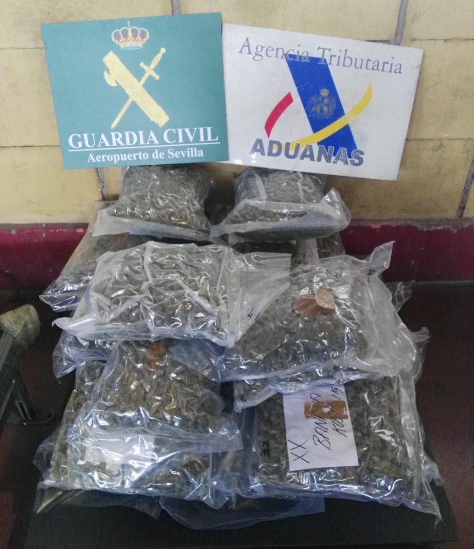 AionSur drogas-aeropuerto Detenido por transportar droga a Reino Unido desde el aeropuerto de Sevilla Narcotráfico Sucesos
