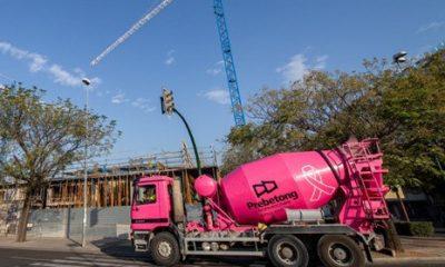 AionSur hormigonera-400x240 Pintan sus hormigoneras de rosa en solidaridad con el cáncer de mama Salud Sociedad