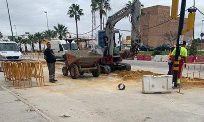 """AionSur obras-carretera-Villamartín-400x240 Comerciantes de Arahal """"desesperados"""" por las """"graves pérdidas"""" registradas en sus negocios a causa de unas obras Arahal Sociedad  destacado"""