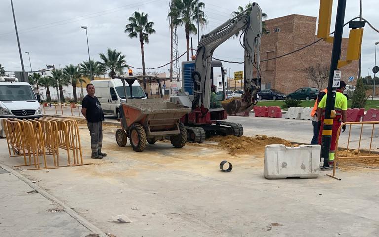 """AionSur obras-carretera-Villamartín Comerciantes de Arahal """"desesperados"""" por las """"graves pérdidas"""" registradas en sus negocios a causa de unas obras Arahal Sociedad  destacado"""