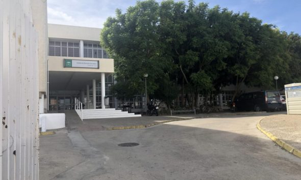 AionSur unnamed-compressor-1-590x354 Desalojan un ala del IES Castillo de Luna de La Puebla porque las grietas hacían peligrar la estructura del edificio Educación La Puebla de Cazalla  destacado