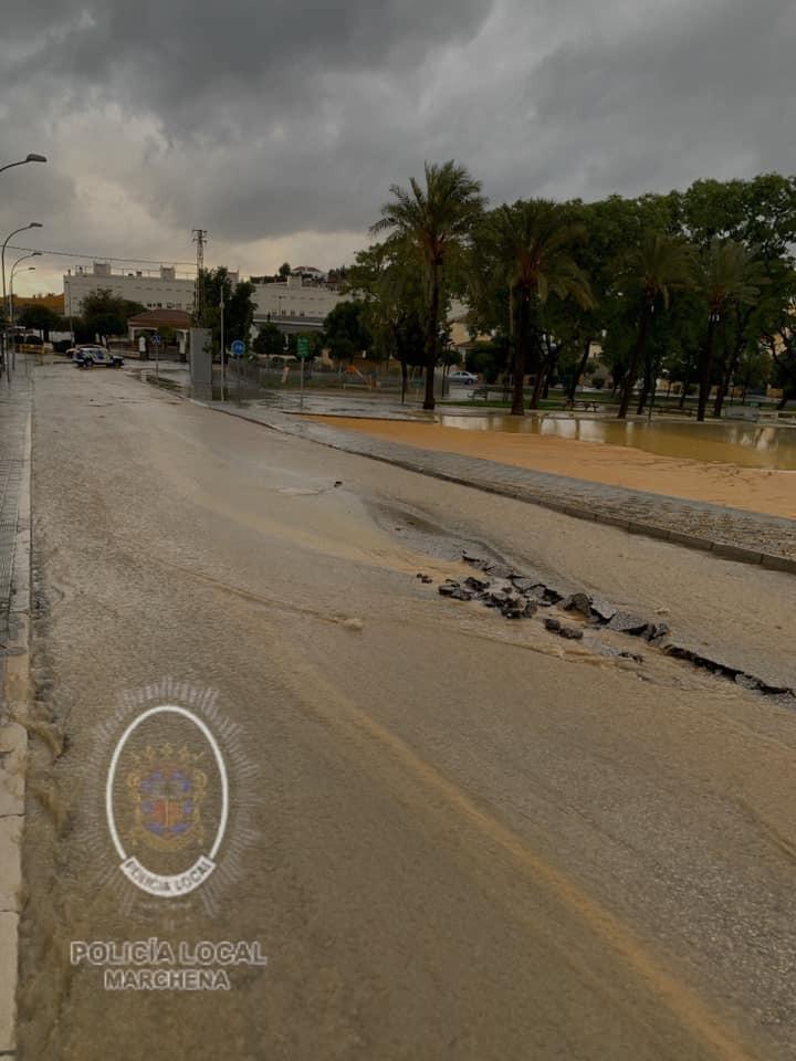 AionSur 74368461_471249723597135_2514759594404741120_n Viviendas inundadas, calles, negocios y carretera cortada, incidencias de la tarde de lluvia en Marchena Marchena  destacado