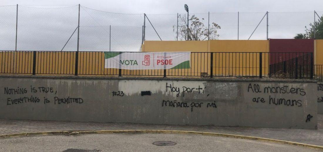 AionSur IMG_0809-compressor La Policía Local de Arahal coge in fraganti a dos menores realizando pintadas junto al muro de un colegio Arahal  destacado