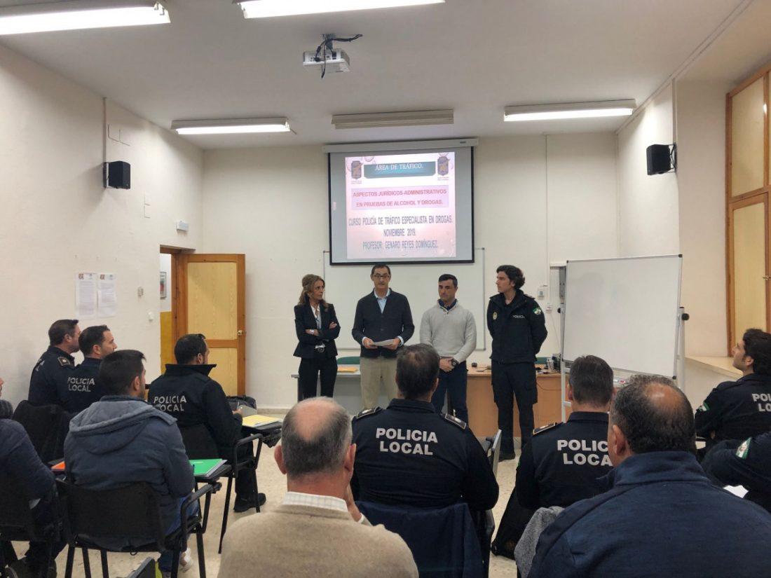 AionSur IMG_3002-compressor La Policía Local de Alcalá recibe formación para las pruebas de detección y control de drogas Alcalá de Guadaíra