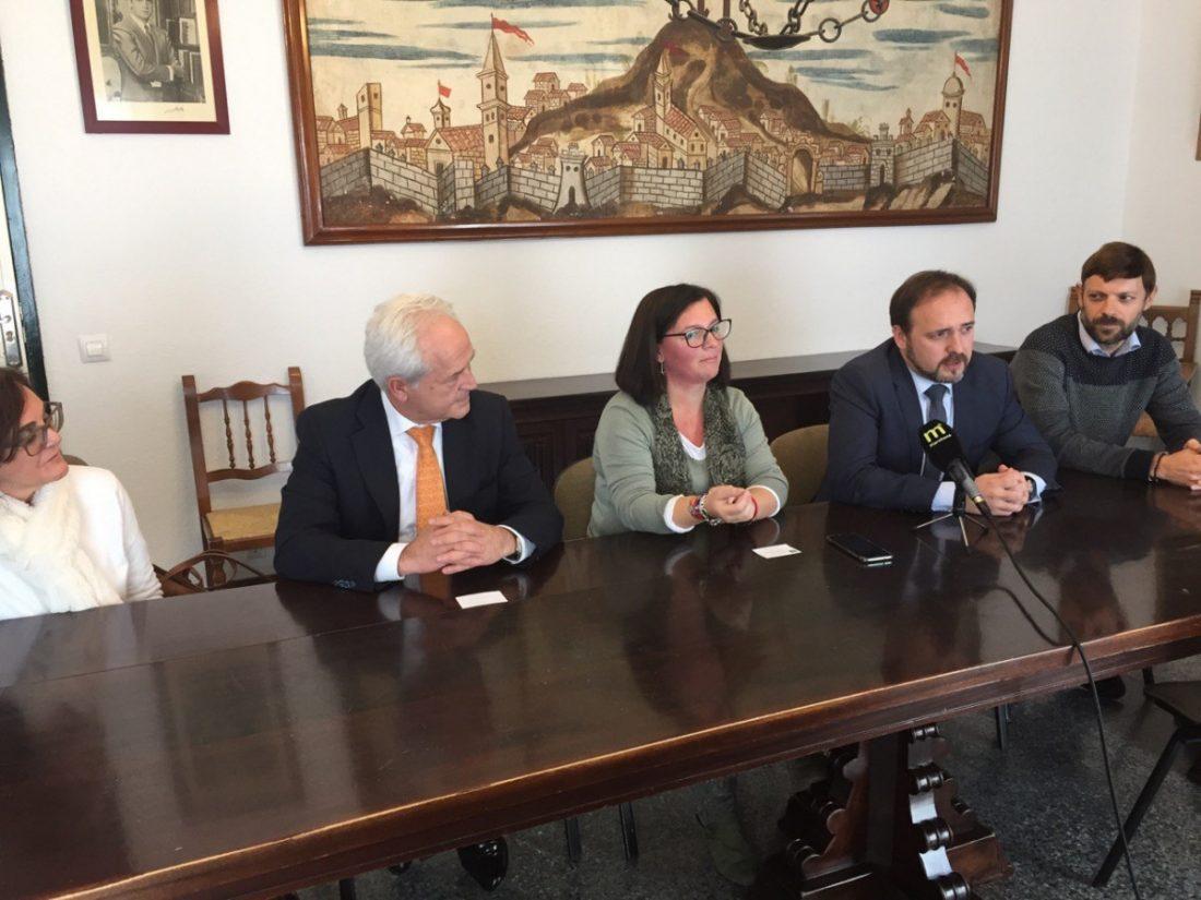 AionSur Marchena-reunion El nuevo juzgado de Marchena estará en el antiguo ambulatorio Marchena Sociedad