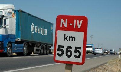 AionSur NIV-400x240 Un fallecido y dos heridos en un accidente en la N-IV a su paso por Utrera Sucesos Utrera  destacado