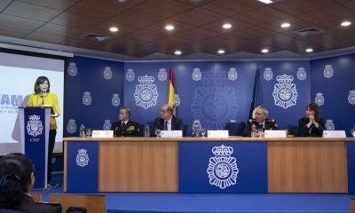 AionSur POLICIAS-400x240 Policía Nacional atiende a casi 35.000 víctimas de violencia de género y libera a más de 450 víctimas de trata y explotación sexual en 2019 Sucesos