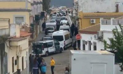 AionSur burguillos-drogas-400x240 Una espectacular operación desarticula una banda de narcos que operaba desde Burguillos Provincia Sucesos