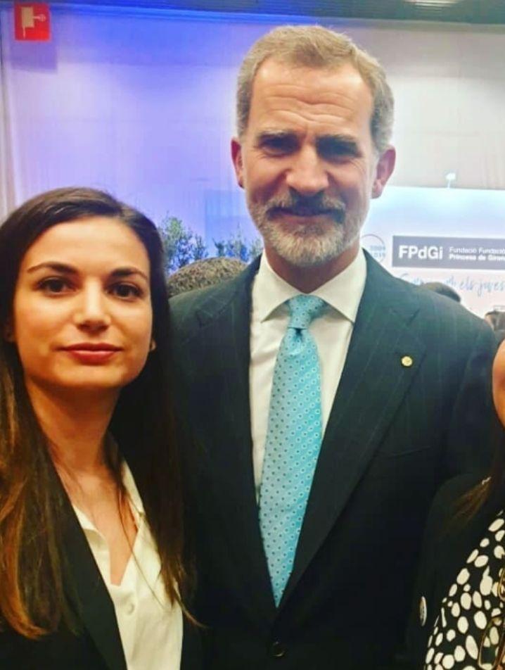 """AionSur dea5c97c-4661-480f-a196-e557bb59a49b-compressor Una joven de Arahal recibe el Premio Extraordinario """"Fin de Estudios"""" de la Universidad de Sevilla Arahal  destacado"""