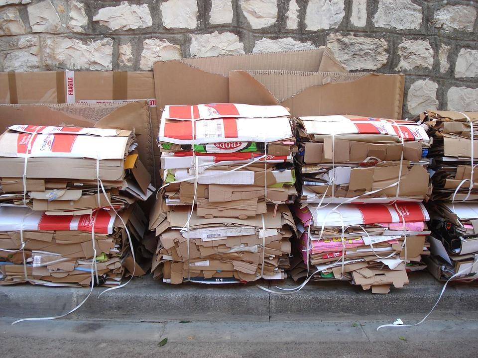 AionSur reciclaje-carton La Puebla pone en práctica la recogida de cartón puerta a puerta en comercios La Puebla de Cazalla