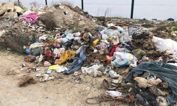 """Los ecologistas de """"Jaedilla"""" denuncian un vertido de residuos en el polígono industrial Los Pozos de Arahal"""