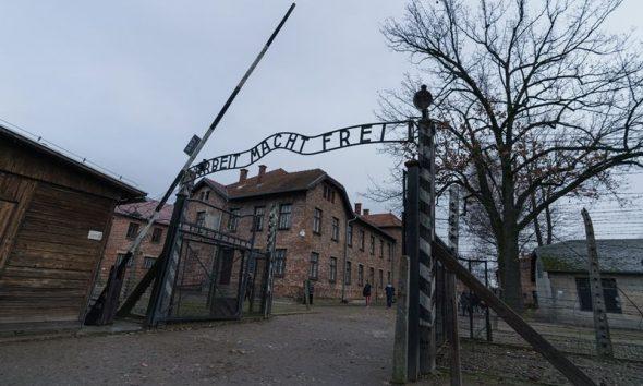 AionSur Auschwitz-1-compressor-590x354 Campo de concentración de Auschwitz, uno de los lugares más tristes de la tierra Sociedad  destacado