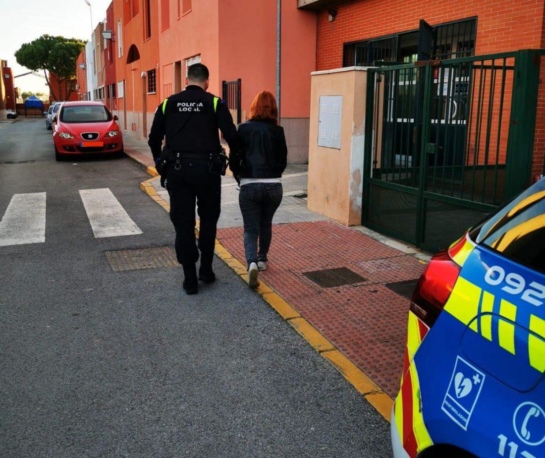 AionSur Castilleja-detenida Descubren, tras un accidente, que tenía documentación falsa que compró por 600 euros Castilleja de la Cuesta Sucesos