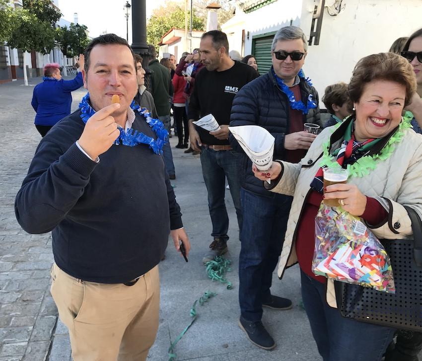 AionSur: Noticias de Sevilla, sus Comarcas y Andalucía Croquetas-Gerena-AION Medio millar de vecinos de Gerena reciben al 2020 con croquetas solidarias Gerena Sociedad destacado