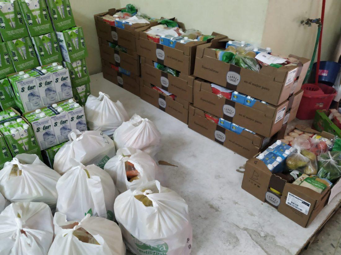 AionSur Marchena-Caritas-2 Casi 200 familias de Marchena son ayudadas a pasar las fiestas sin carencias en la mesa Marchena Sociedad destacado