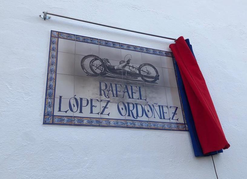 AionSur Rafael-calle-1 El gran campeón Rafael López ya tiene una calle en su pueblo, Marchena Marchena Sociedad