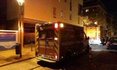 AionSur bomberos-Sevilla-400x240 Rescatada una mujer tras un incendio en una casa en construcción en Estepa Sucesos