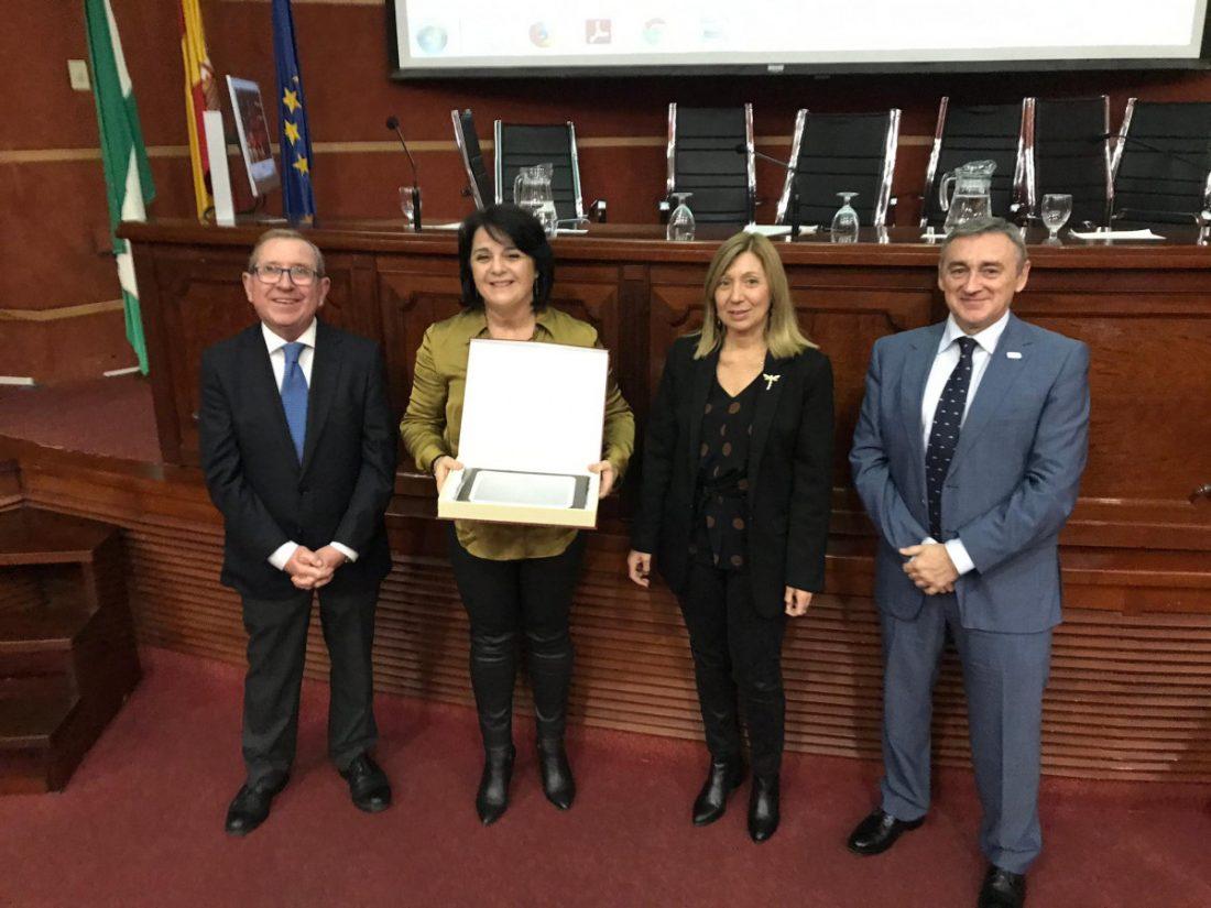 AionSur donaciones-premio AION Sur recoge el premio que le distingue por la difusión de las donaciones de sangre Salud Sevilla destacado