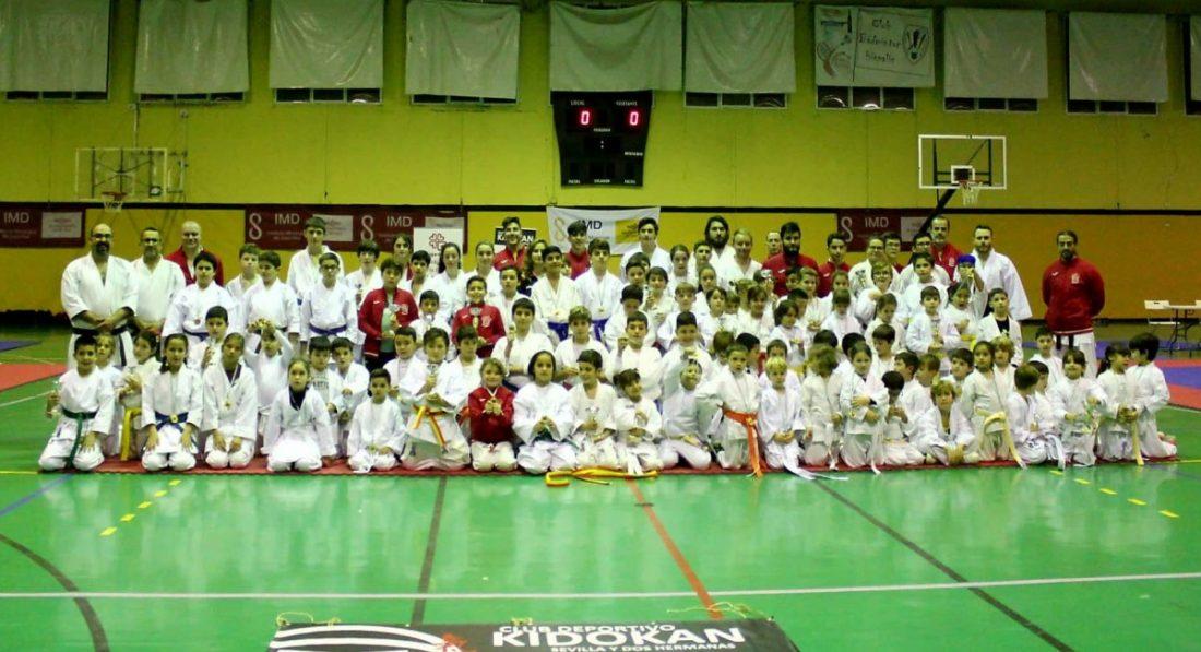 AionSur karate-Sevilla El kárate infantil da una nueva lección de solidaridad Deportes Sevilla