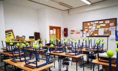 AionSur pelotas-padel-400x240 Las pelotas inservibles se usan en Bormujos para reducir ruido en las aulas Provincia Sociedad