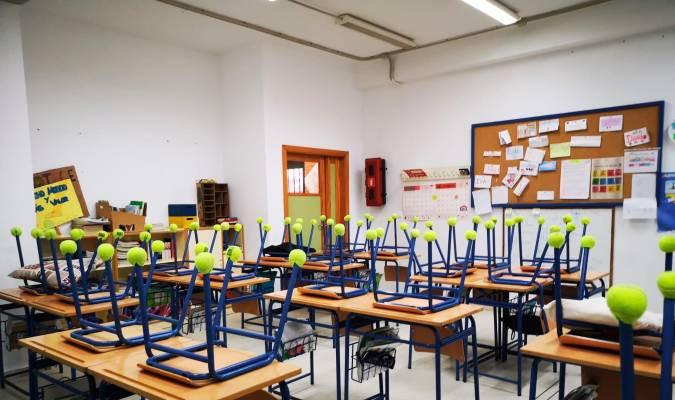 AionSur pelotas-padel Las pelotas inservibles se usan en Bormujos para reducir ruido en las aulas Provincia Sociedad