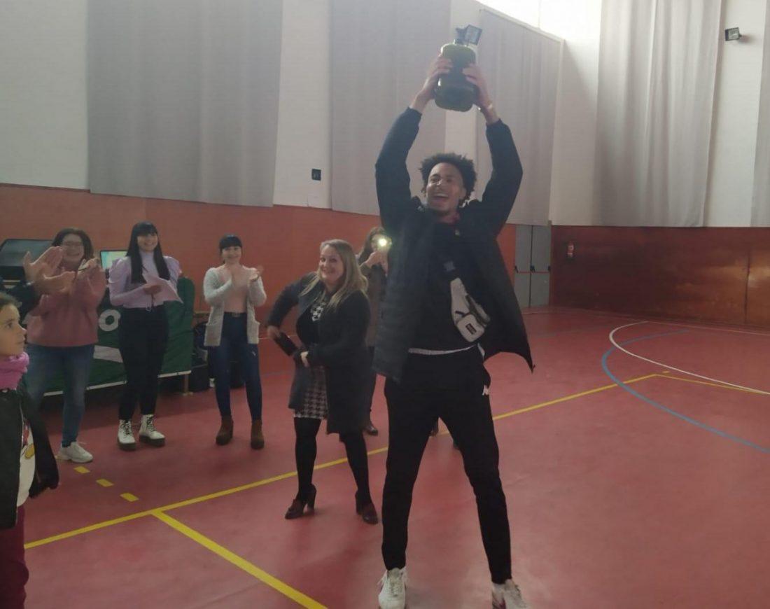 AionSur Coripe-baloncesto Una canasta que vale cinco litros de aceite de Coripe Coripe Sociedad  destacado