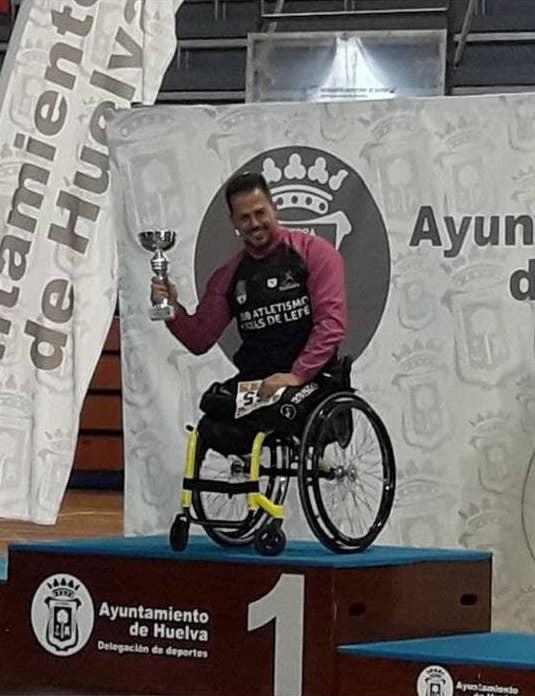 """AionSur Gregorio-cabello-2 Le impiden participar en el medio maratón de Huelva en silla de ruedas """"por ser demasiado rápido"""" Huelva Sociedad"""