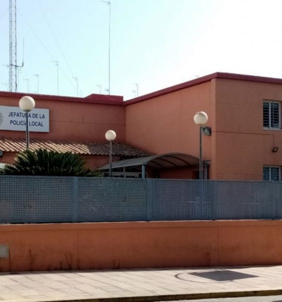 AionSur Policia-Alcala-Guadaira-560x600 Un policía fuera de servicio detiene a un conductor kamikaze y ebrio en Alcalá Alcalá de Guadaíra Sucesos