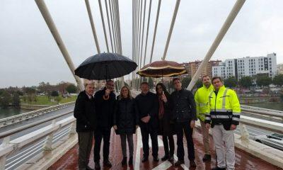 """AionSur Visita-consejera-puente-Alamillo-compressor-400x240 El puente del Alamillo goza de """"excelente estado de salud"""", según Fomento Sevilla"""