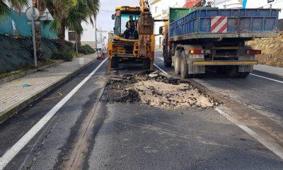 AionSur carretera-marchena-paradas-400x240 Cortado un tramo de la entrada a Paradas desde Marchena por hundimiento de la calzada Paradas Sucesos