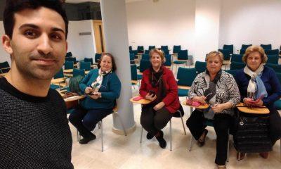 AionSur: Noticias de Sevilla, sus Comarcas y Andalucía curso-moviles-mayores-2-compressor-400x240 Guillena Expertclick, programa de formación para que los mayores aprenda nuevas tecnologías Guillena