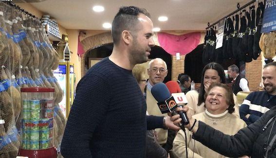 AionSur esta-compressor El arahalense que ganó el sorteo de la Venta El Paisano ya disfruta de la gran cesta de premios Arahal Sociedad  destacado