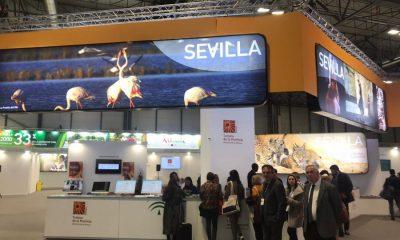 AionSur fitur-Sevilla-stand-400x240 Flamenco con solera, tradiciones y parajes idílicos, en el cierre de presentaciones de Sevilla en FITUR Prodetur