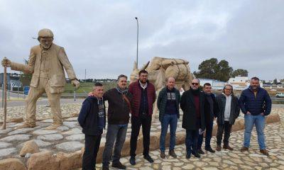 AionSur: Noticias de Sevilla, sus Comarcas y Andalucía las-huellas-de-nuestra-historia-3-compressor-400x240 Las Pajanosas embellece su entrada con un homenaje a los arrieros Guillena Sierra Norte