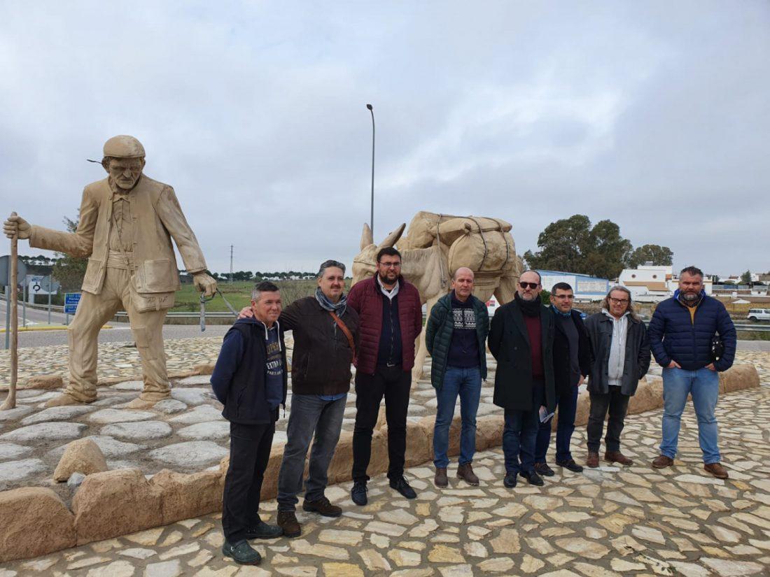 AionSur las-huellas-de-nuestra-historia-3-compressor Las Pajanosas embellece su entrada con un homenaje a los arrieros Guillena Sierra Norte