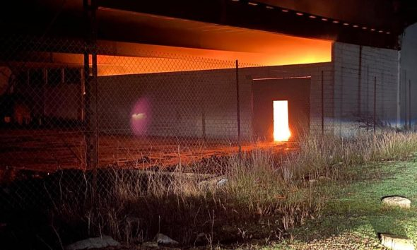 AionSur unnamed-compressor-1-590x354 Incendio de madrugada en una fábrica de madera abandonada en Arahal Arahal Sucesos  destacado