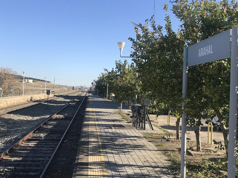 AionSur Tren-Arahal-1 La Junta reclama ya una reunión con el Gobierno para solucionar el problema del tren Sevilla Sociedad