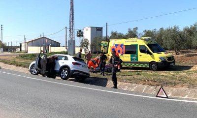 AionSur accidente-arahal-400x240 Una mujer herida en un accidente en la salida de Arahal hacia El Coronil Arahal Sucesos  destacado