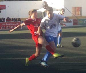 AionSur arahal-feminas-2-300x255 Hat-trick de Rocío Cintado para un trabajado empate en Utrera Arahal Deportes  destacado
