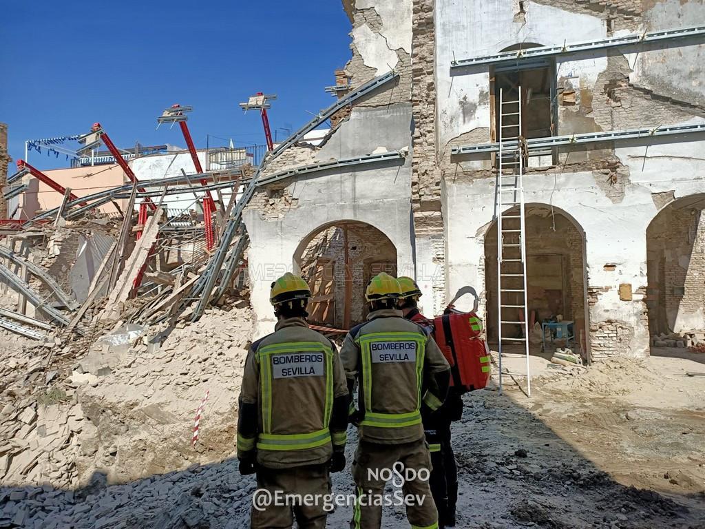 AionSur derrumbe-sevilla Dos obreros heridos tras derrumbarse el muro de una vivienda en Sevilla Sevilla Sucesos