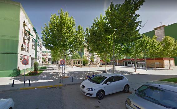 AionSur dos-hermanas-plaza-roma Muere un joven de 26 tras caer de un edificio que escalaba en Dos Hermanas Dos Hermanas Sucesos  destacado