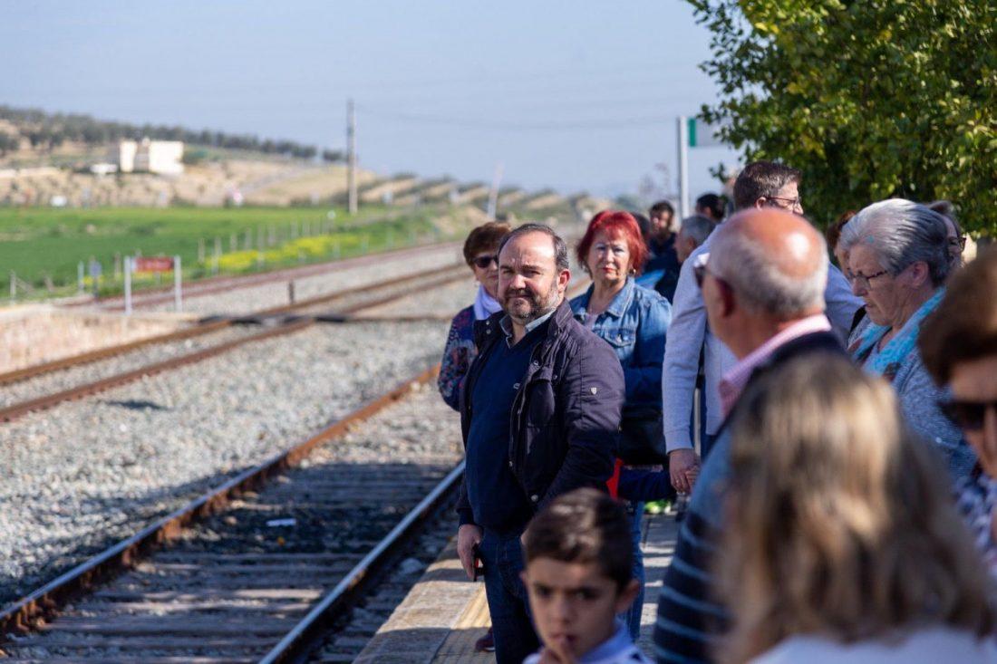 AionSur unnamed-compressor El PP de Arahal pide que el Consorcio de Transporte Metropolitano incorpore tarifas y descuentos en el billete de tren Arahal