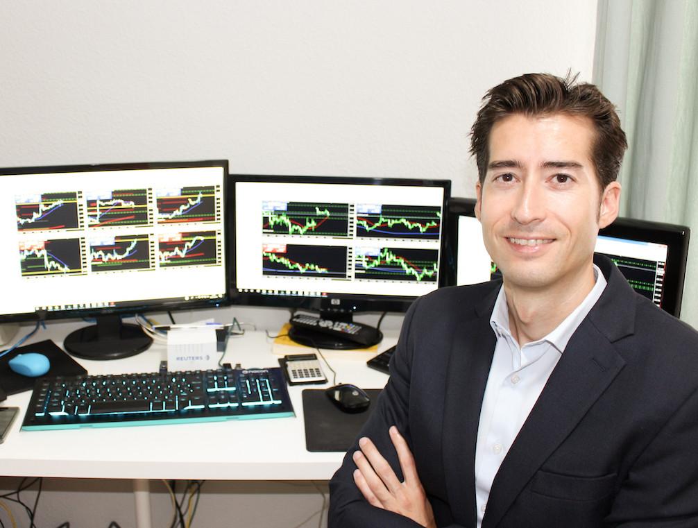 AionSur Carlos-Bellver-Aion Un experto recomienda prudencia para trabajar con el dinero durante la crisis del coronavirus Coronavirus Economía Salud